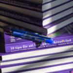 Signerade ex av nya boken finns i B09:20 under Bokmässan 2017